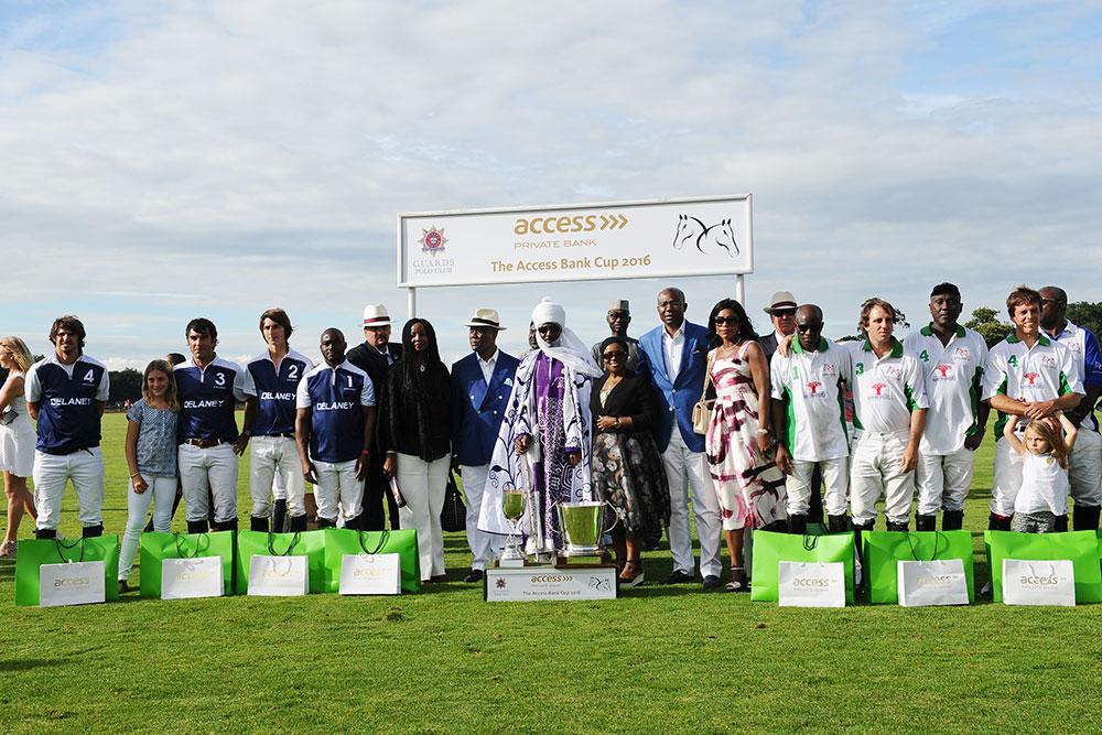 HRH Emir of Kano Muhammadu Sanusi II.with the winning teams
